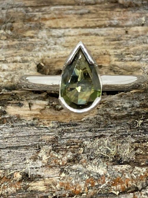 pear green sapphire ring
